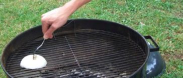 clean your barbecue grill