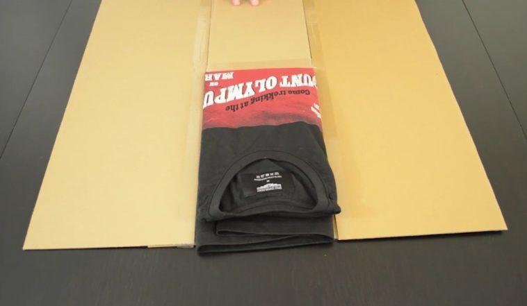 fold t-shirts